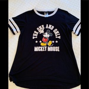 Disney Mickey  Mouse Sports Tee, size Lg,